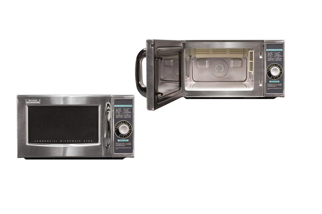 Sharp R-21LCF Medium-Duty Commercial Microwave